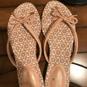 Kate Spade ♠️ bow sandals putty color size 7.5